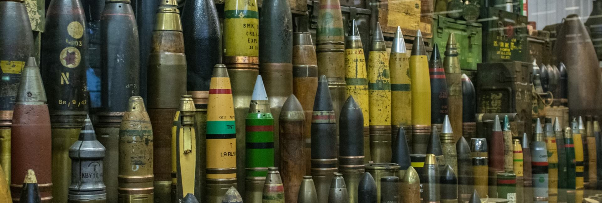 oorlogsmuseum - 1000 Bombs and Grenades